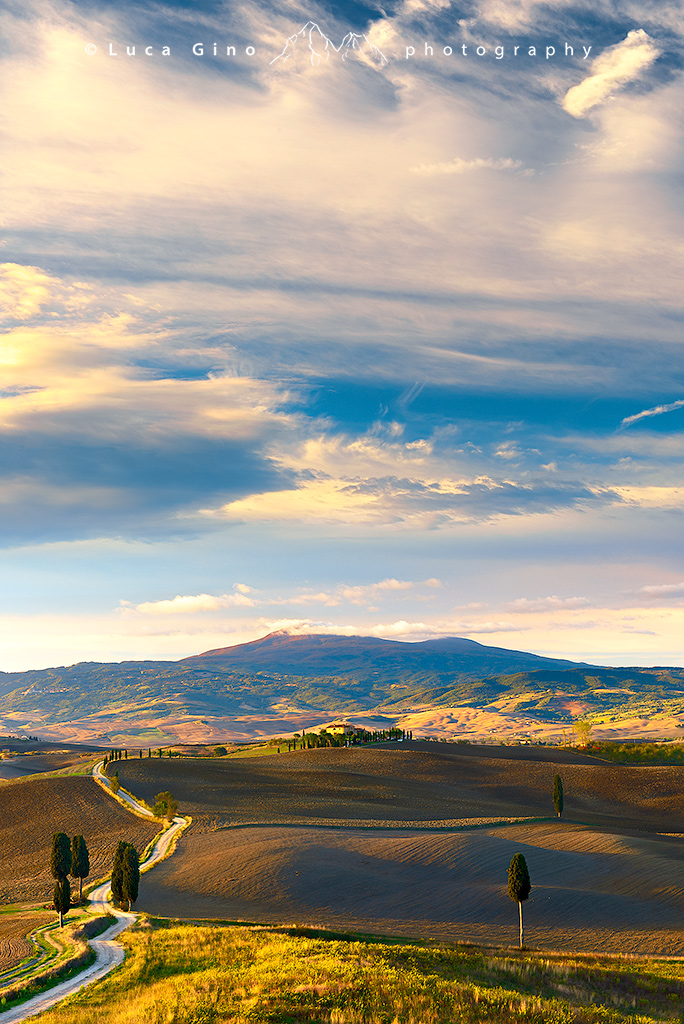 Podere terrapille all 39 alba di una giornata autunnale val for Colline o cabine marroni