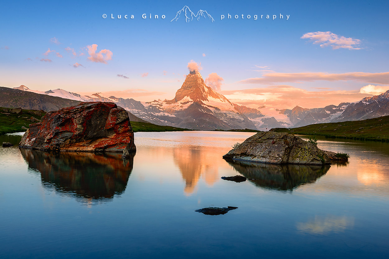 Il Matterhorn, in italiano Cervino, all'alba, Lago Stellisse, Zermatt