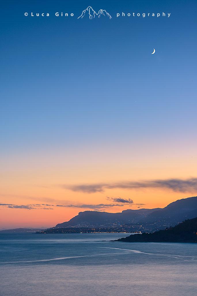 Capo Mortola e le luci di Mentone e Montecarlo