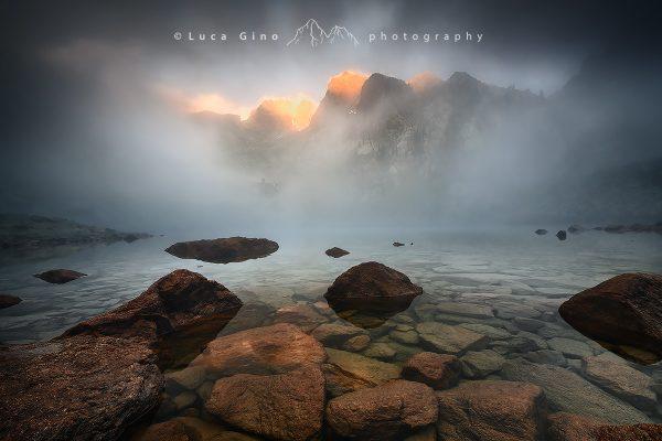 Le nebbie sul lago Malinvern, Valle Stura