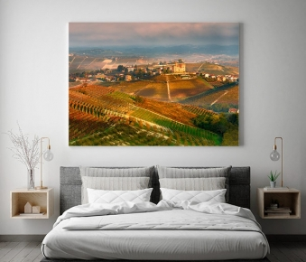 I vigneti ed il castello di Grinzane Cavour in autunno