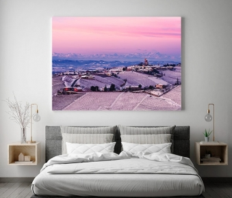 Serralunga d'Alba in rosa