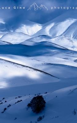 Le colline innevate di Castelluccio di Norcia