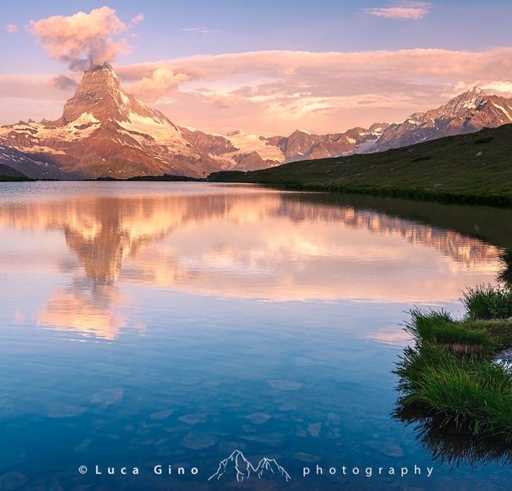 Il Matterhorn dal Lago Stellisee all'alba