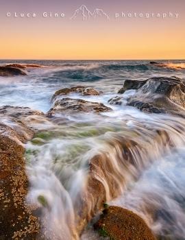 Il mare e gli scogli
