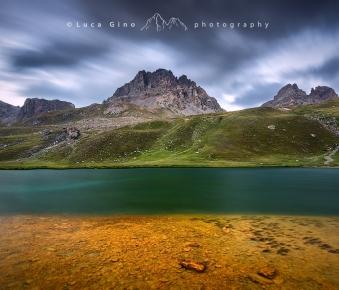 Lago dell'Oronaye nuvoloso