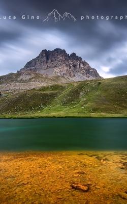 Contrasti di colore al lago dell'Oronaye