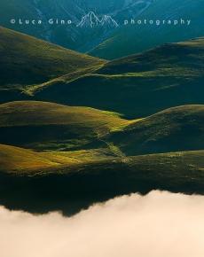 Colline e nuvole basse