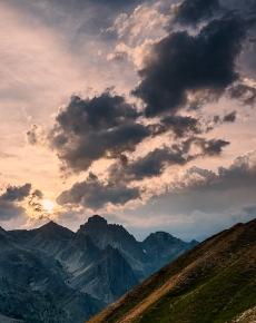 L'oronaye sotto nuvole temporalesche